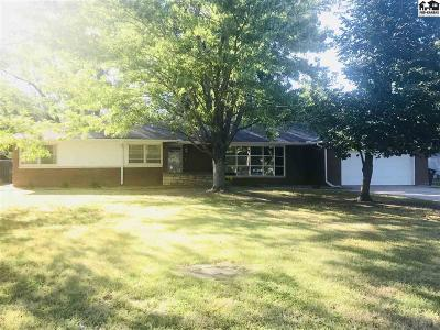 McPherson KS Single Family Home For Sale: $169,900