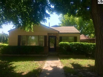 Pratt KS Single Family Home Contingent On Sale And Cl: $79,000