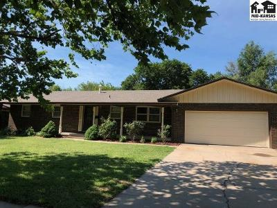 McPherson KS Single Family Home For Sale: $189,900