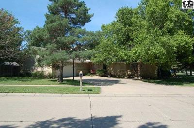 McPherson KS Single Family Home For Sale: $234,500