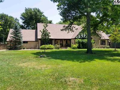 Newton Single Family Home For Sale: 910 N Grandview Ave