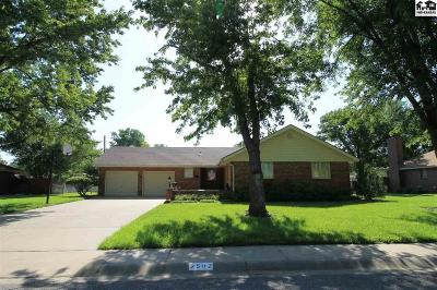 Single Family Home For Sale: 2502 Westminster Dr