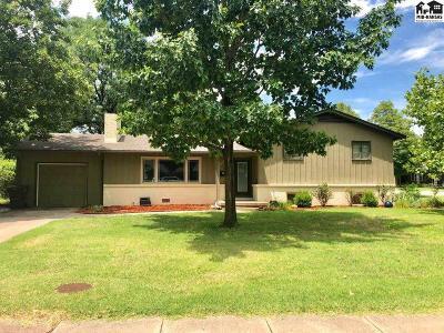 McPherson County Single Family Home For Sale: 1209 Lyndon