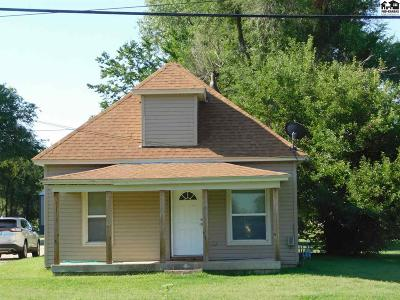 South Hutchinson Single Family Home For Sale: 1613 W Blanchard Ave