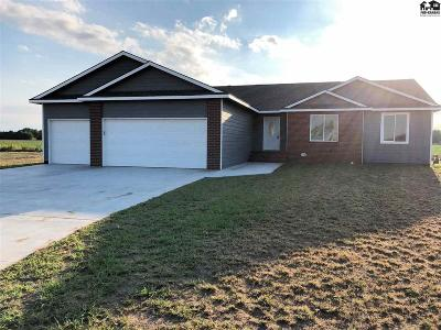 Reno County Single Family Home Contingent On Sale And Cl: 20 Bluestem Dr