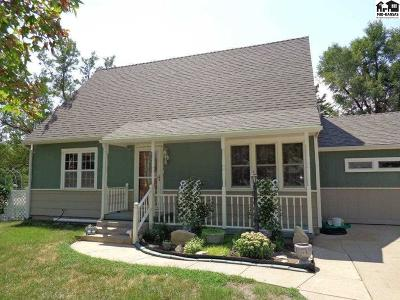 Single Family Home For Sale: 1601 N Pleasant St