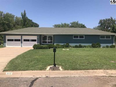 Lyons Single Family Home For Sale: 915 W Lyon