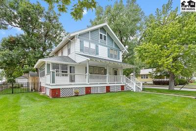 Hutchinson Single Family Home For Sale: 101 E 16th Ave