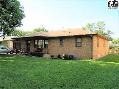 Hutchinson Single Family Home For Sale: 8 Sunflower Ave