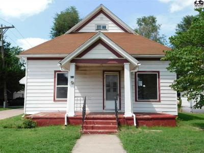 Hutchinson Single Family Home For Sale: 410 W 11th Ave