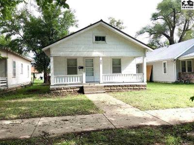 Hutchinson Single Family Home For Sale: 304 E 8th Ave