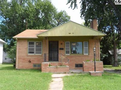 McPherson Single Family Home For Sale: 810 N Chestnut St
