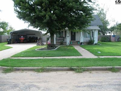 Pretty Prairie Single Family Home For Sale: 323 N Rhodes Ave