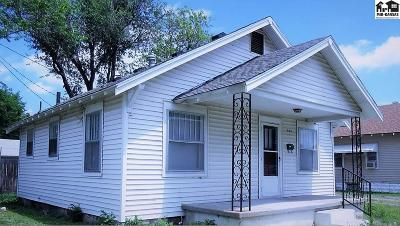 Hutchinson Single Family Home For Sale: 508 W 10th Ave