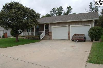 McPherson KS Single Family Home Contingent Other Co: $189,000