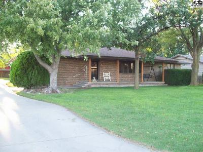McPherson County Single Family Home For Sale: 524 S Mulberry St