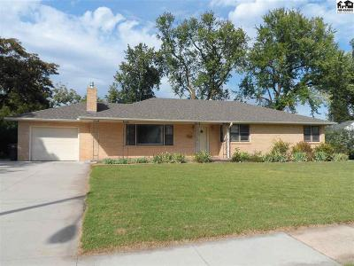 McPherson KS Single Family Home For Sale: $157,900