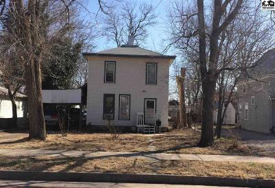 Hutchinson Single Family Home For Sale: 507 E Avenue B