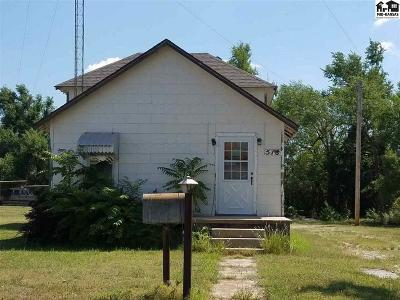 Pratt KS Single Family Home For Sale: $62,500