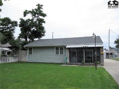 Hutchinson Single Family Home For Sale: 1227 E 6th Ave