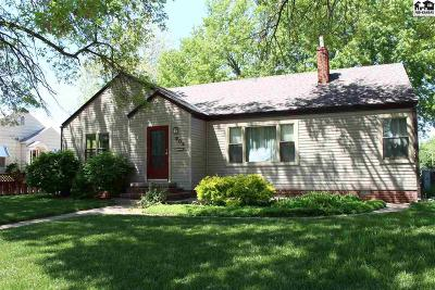 Lyons Single Family Home For Sale: 903 S Grand Ave