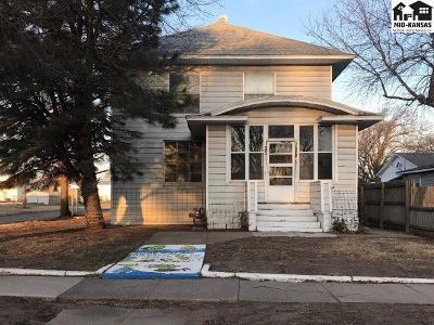 Single Family Home For Sale: 125 N Kansas Ave