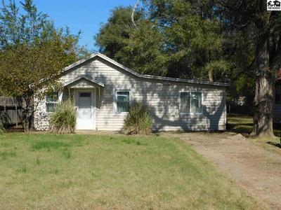Hutchinson Single Family Home For Sale: 1206 E 6th Ave