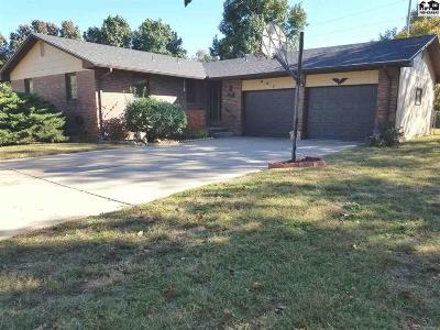Hutchinson Single Family Home For Sale: 905 E 33rd