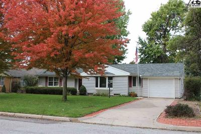 Buhler Single Family Home For Sale: 809 N West St