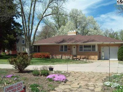 McPherson KS Single Family Home For Sale: $149,900