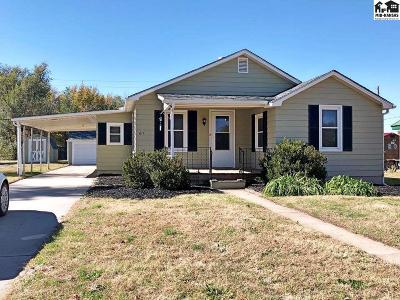 Hutchinson KS Single Family Home For Sale: $74,000