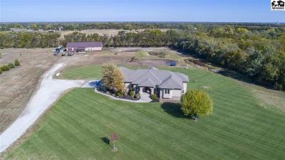 Wichita Single Family Home For Sale: 15600 E Hidden Estates St.