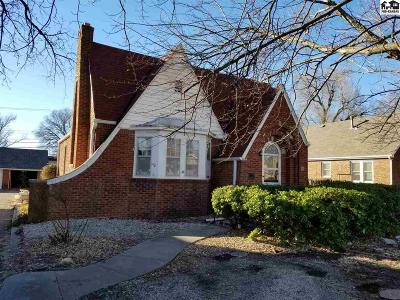McPherson County Single Family Home For Sale: 706 E Kansas Ave