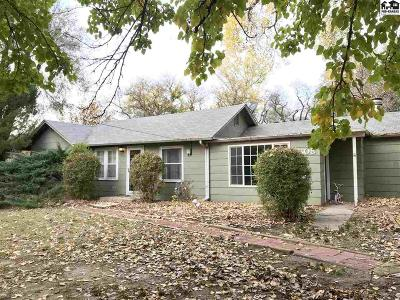 South Hutchinson Single Family Home For Sale: 1608 W Blanchard Rd