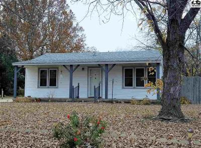 Single Family Home For Sale: 3307 N Plum St