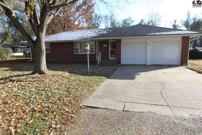 South Hutchinson Single Family Home For Sale: 17 James Way
