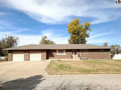 South Hutchinson Single Family Home For Sale: 220 E Avenue D