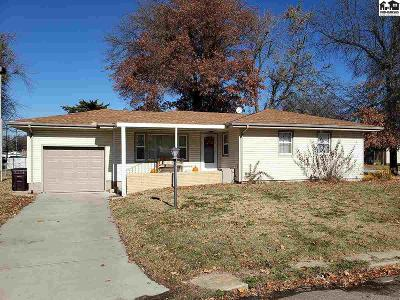 McPherson County Single Family Home For Sale: 208 E Maple St