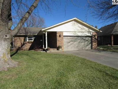 Hutchinson Single Family Home For Sale: 1002 Bramble Bush Dr