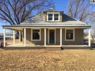 Medicine Lodge KS Single Family Home For Sale: $23,500