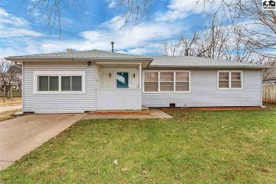 Haven Single Family Home For Sale: 209 W 4th St