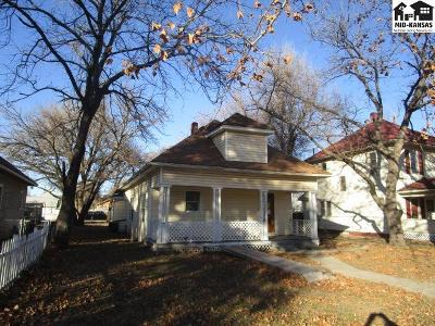 Hutchinson Single Family Home For Sale: 702 E 6th Ave