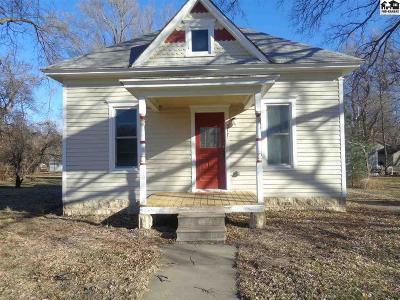 Lindsborg Single Family Home For Sale: 317 S Chestnut St