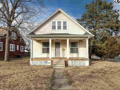 Hutchinson Single Family Home For Sale: 516 W 17th Ave