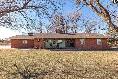Hutchinson Single Family Home For Sale: 6103 N Tobacco Rd