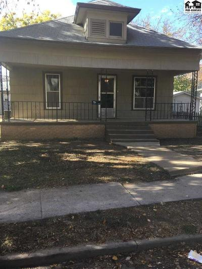 Single Family Home Sale Pending: 1015 N Maple St