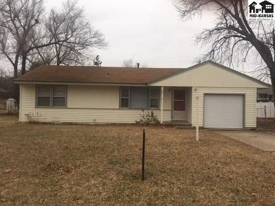 Hutchinson Single Family Home For Sale: 23 Meadowlark Ln