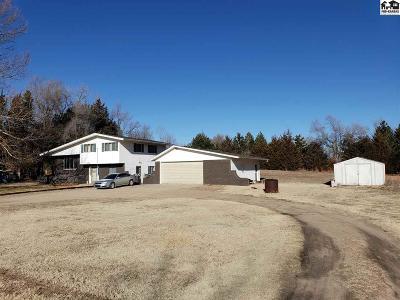 Hutchinson Single Family Home For Sale: 1214 E 56th Ave