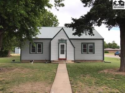 Pretty Prairie Single Family Home For Sale: 419 W Main St