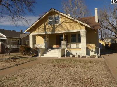 Hutchinson Single Family Home For Sale: 26 E 17th Ave
